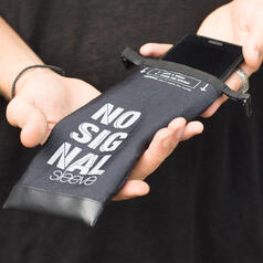 No Signal Sleeve Smartphone Bag